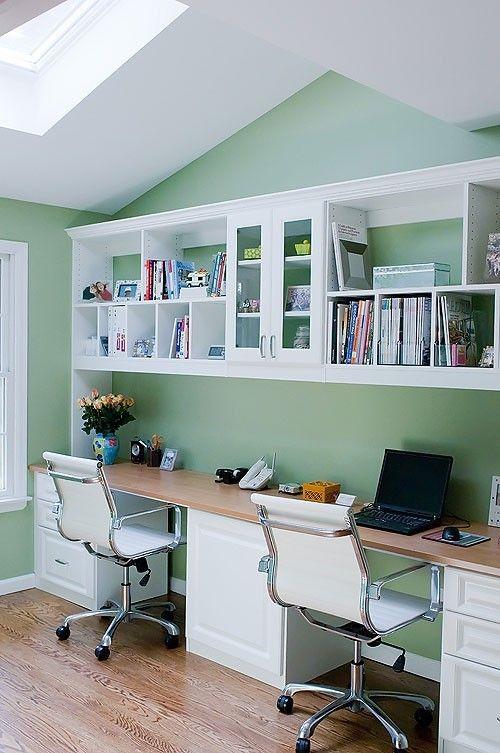 رنگ کردن دیوار محیط کار به رنگ سبز